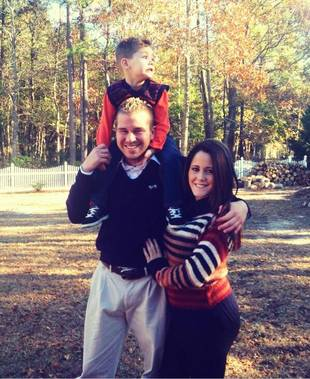 Jenelle Evans Shares Family Thanksgiving Portrait With Son Jace (PHOTO)