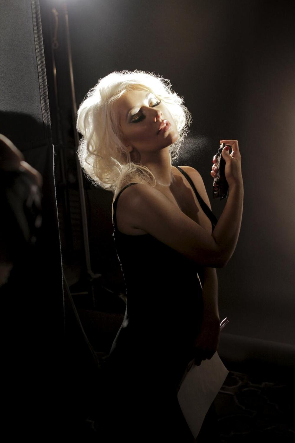 Christina Aguilera Looks Sexier Than Ever in Marilyn Monroe-Inspired Perfume Ad (PHOTO)
