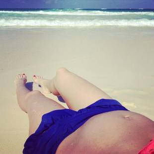 Melissa Rycroft Shows Off Her Baby Bump in a Bikini! (PHOTO)