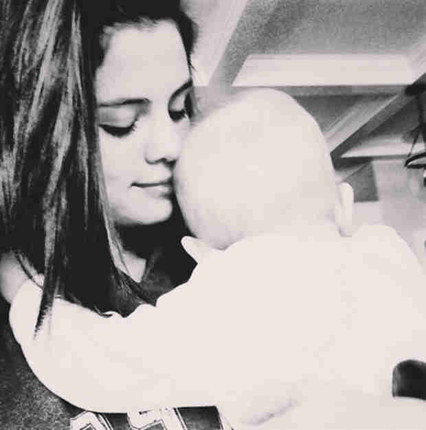 "Selena Gomez Cuddles Sister Gracie: ""I'm the Happiest I've Been in a While"" (PHOTO)"