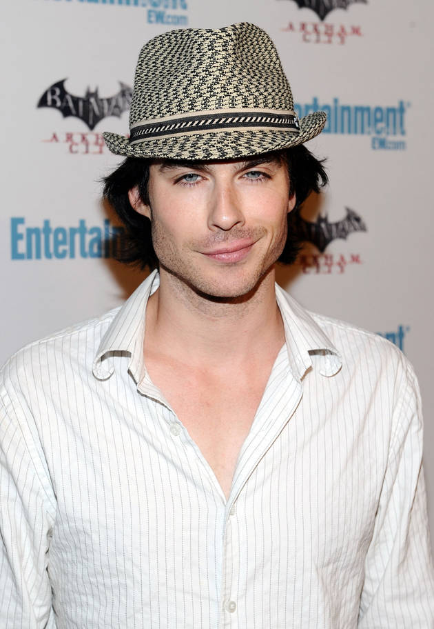 Ian Somerhalder Posts Sexy Selfie From the Salvatore's Front Yard (PHOTO)