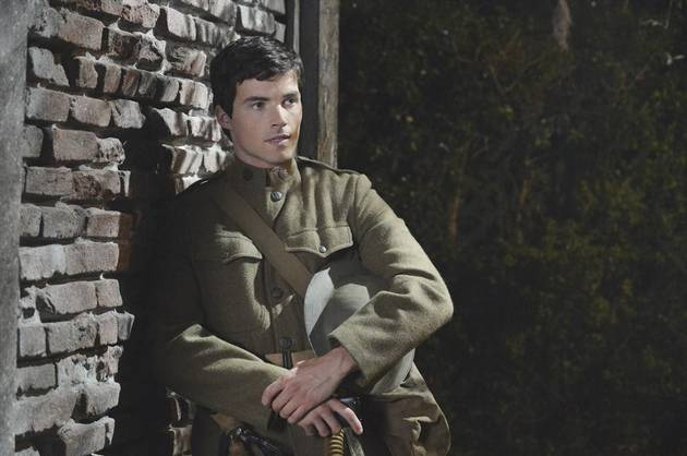"""Pretty Little Liars Burning Question: Has Ezra Been """"A"""" From the Beginning?"""
