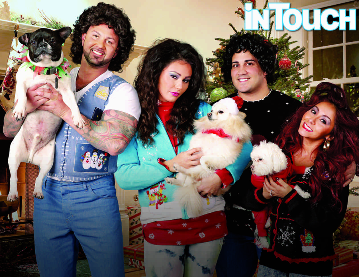 See Snooki, JWOWW, and Their Fiancés in Ridiculously Awkward Christmas Card! (PHOTO)