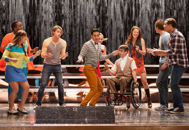 Glee Music Spoiler: THESE Guys Wear Tuxes — to Perform Frank Sinatra Tune? (PHOTO)