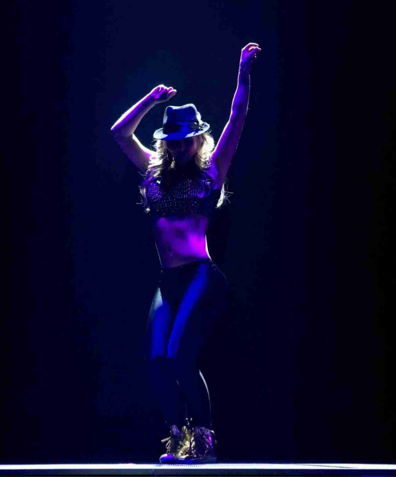 Britney Spears Looks Sexier Than Ever in Final Vegas Dress Rehearsal Pics (PHOTOS)