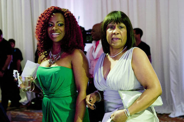 Mama Joyce Starts a Fight, Porsha Stewart Is in the Hospital, and More! (VIDEO)