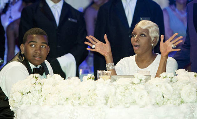 NeNe Leakes's E! Special: Watch a Brief Clip of Her and Gregg Leakes! (VIDEO)