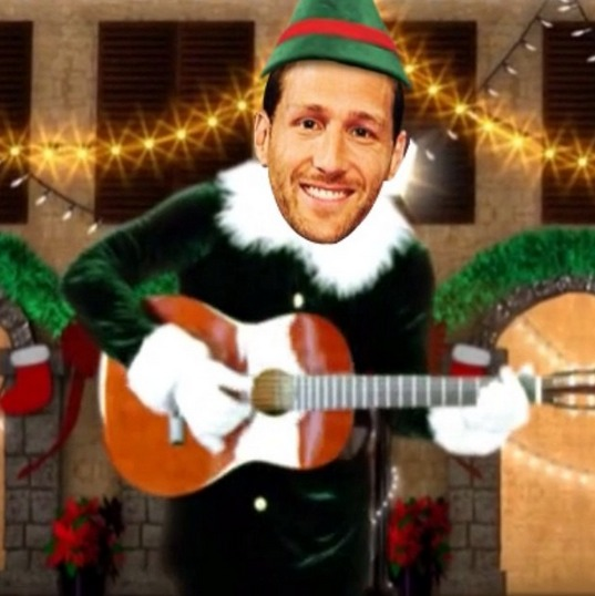 Bachelor Juan Pablo Galavis: Crazy Dancing Christmas Elf! (VIDEO)