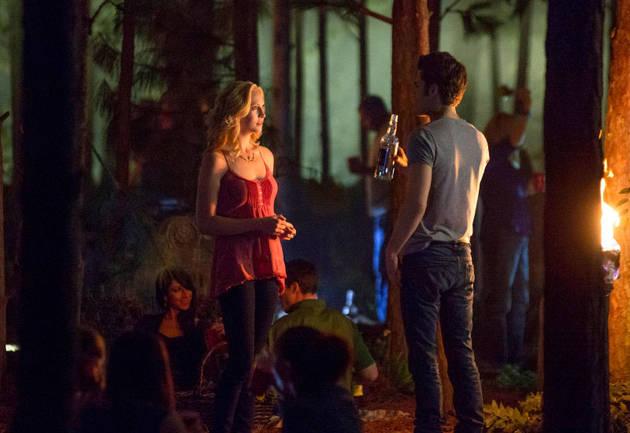 The Vampire Diaries Season 5, Episode 9 Sneak Peek: Caroline Helps Stefan (VIDEO)