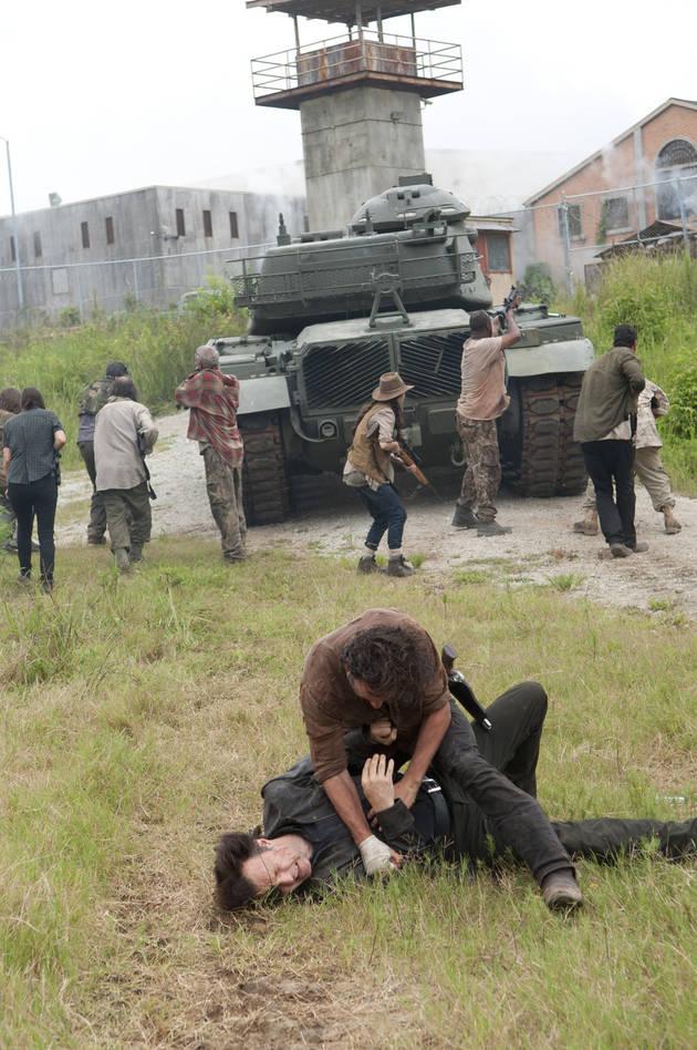 The Walking Dead Season 4: Behind the Scenes of the Mid-Season Finale (VIDEO)