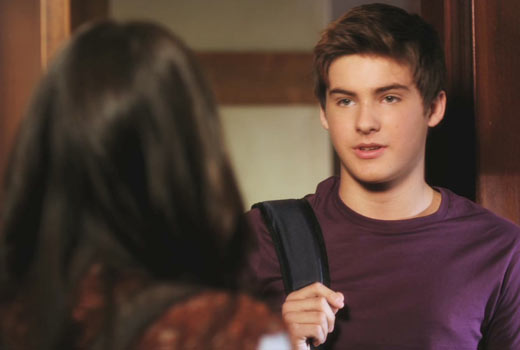 Pretty Little Liars Speculation: Mike Montgomery Knows Ali Is Alive