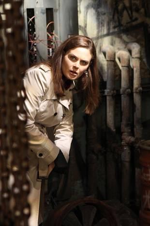Bones Spoilers: Does Emily Deschanel's Brennan Die in Episode 15?