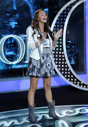 "How Far Does ""Super Bass"" Singer Sarah Restuccio Make It in American Idol 2013?"