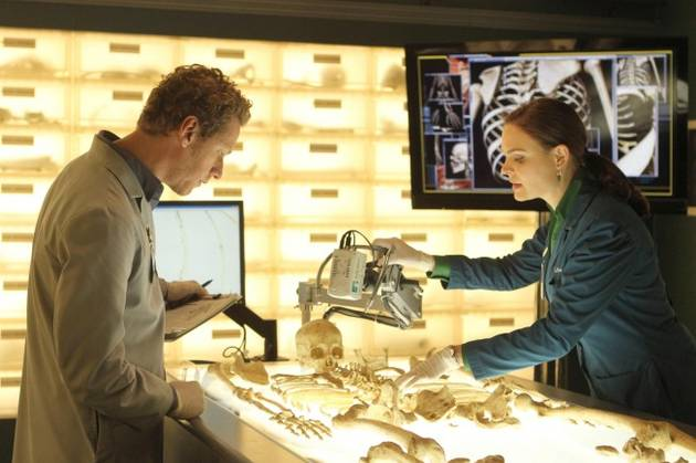 """Bones Spoilers For Season 8, Episode 17, """"The Fact in the Fiction"""""""