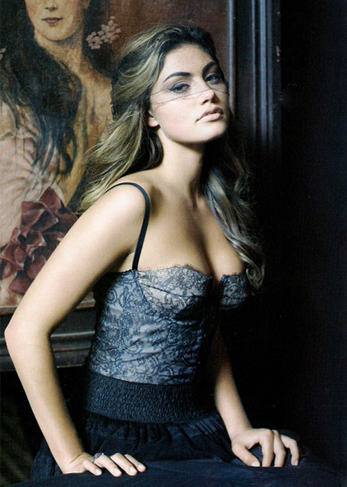 Phoebe Tonkin model