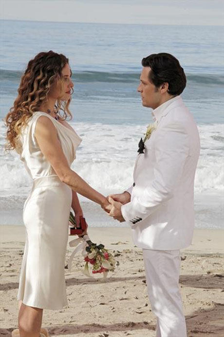 "Revenge to Re-Air Wedding Episode, ""Union,"" on April 7"