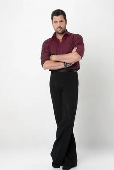 Dancing With the Stars 2013: Maks Chmerkovskiy to Dance With Karina, Help Mentor Val & Zendaya in Week 5