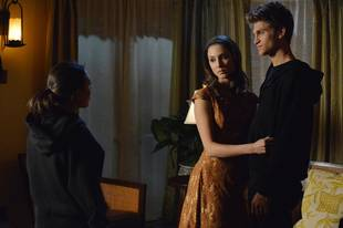 Pretty Little Liars Spoilers: What Does This Spoby Scene Tell Us About Season 4?