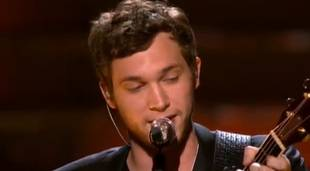 "Phillip Phillips' ""Home"" Featured In Bruins Emotional Boston Marathon Bombings Tribute"