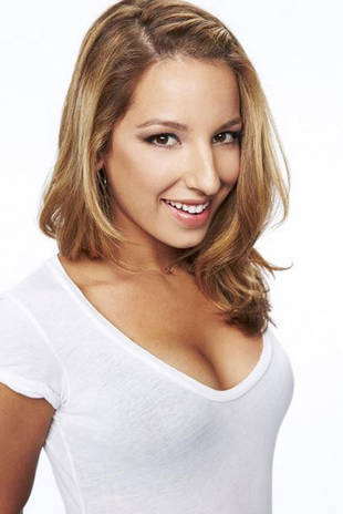 Mixology Promo: Meet Glee Star Vanessa Lengies's Sexy New Character!
