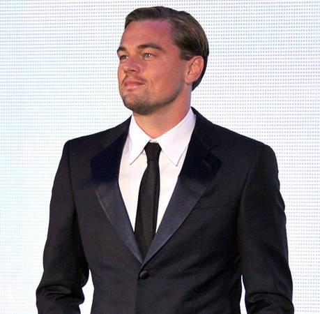 New Couple Alert! Leonardo DiCaprio, Chris Pine, and More Stars Enjoy Summer Romances (VIDEO)