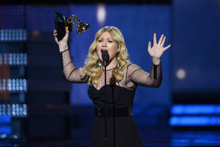 Kelly Clarkson Will Not Be Judging American Idol 2014