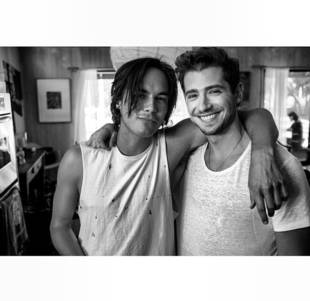 Tyler Blackburn and Julian Morris Have a Pretty Little Bromance (PHOTO)