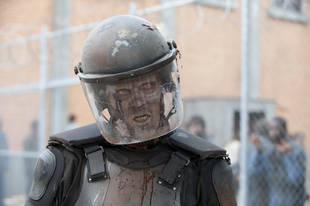 """The Walking Dead Season 4 Spoilers: Prepare For """"Craziest"""" Walker Kill Yet"""