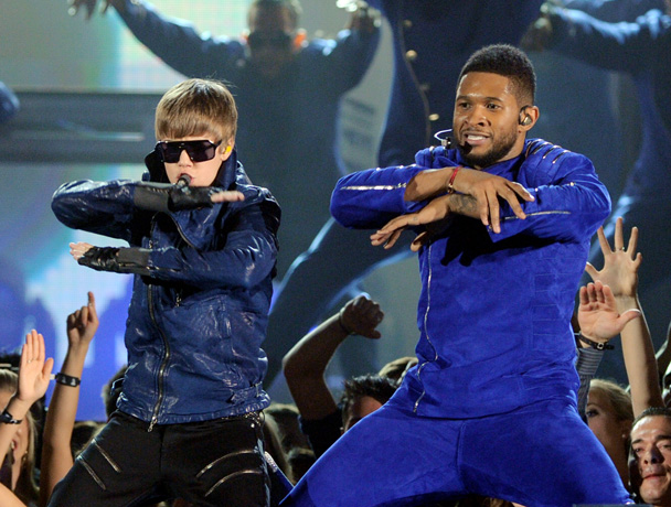 """Usher Defends Justin Bieber """"He Can't Even Have a Life!"""" (VIDEO)"""