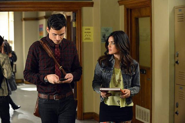 "Pretty Little Liars Spoilers: ""Aria Will Try to Move On"" From Ezra in Season 4"
