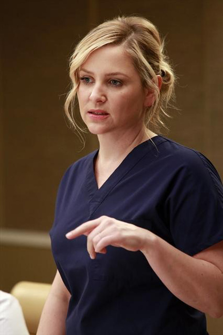 Grey's Anatomy Season 9 Finale: Is Arizona's Life in Jeopardy?