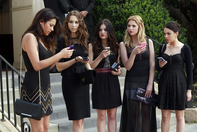 "Pretty Little Liars Season 4, Episode 7 Spoilers: ""You Will Not Believe What Happened"""