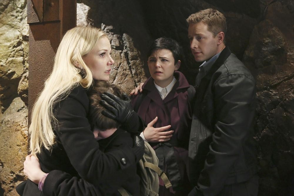 Once Upon a Time Season 2 Finale: The Cast Reacts to the Twists and Turns — in GIFs!