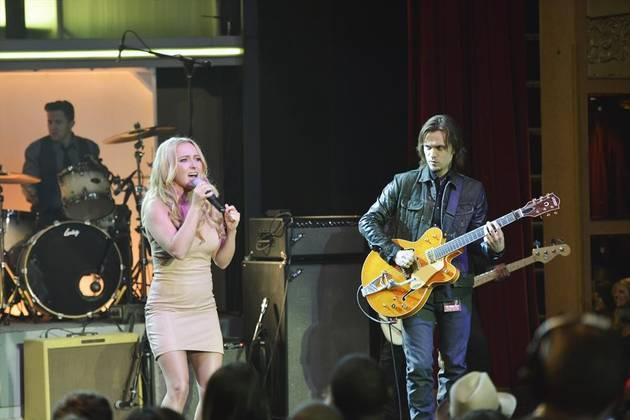 """Nashville Music: Juliette Sings """"I've Been Used"""" in Episode 19"""