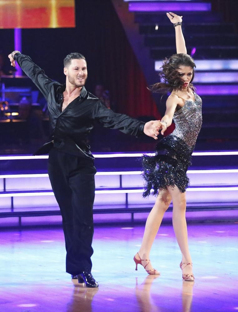 Dancing With the Stars 2013 Finals: Cha-Cha Relay Challenge (VIDEO)