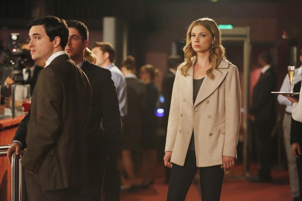 Revenge Season 2 Finale: Emily Thorne Reveals Her Identity to [SPOILER]!