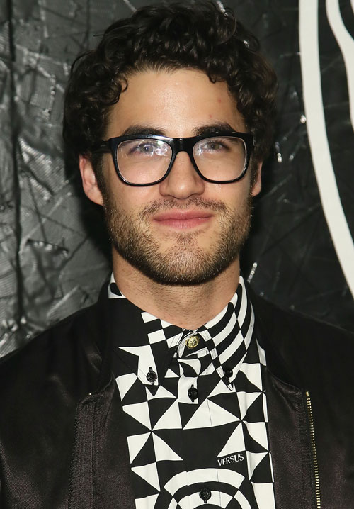 Watch: Darren Criss Sings All The Best '90s TV Theme Songs (VIDEO)