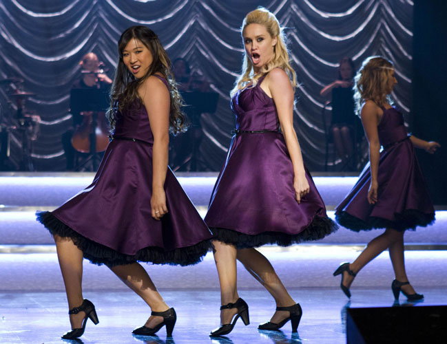 Who's Leaving Glee Club? Two Characters Call It Quits
