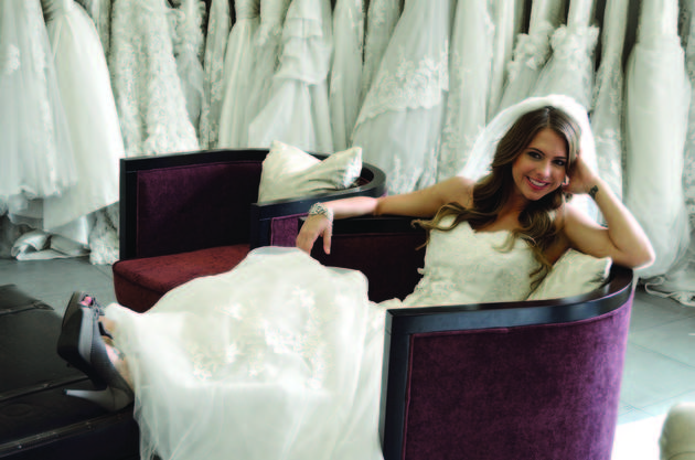 Lindsay Yenter Poses In Enzoani Wedding Dress! (PHOTO)