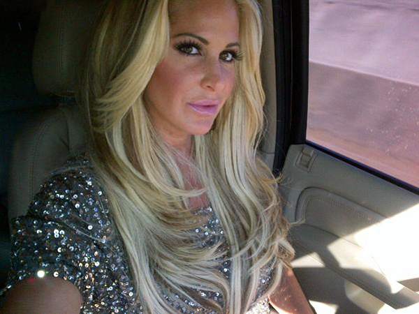 "Kim Zolciak Slams Her Parents: ""I Hope it Was Worth it to Sell Your Soul to the Devil"""