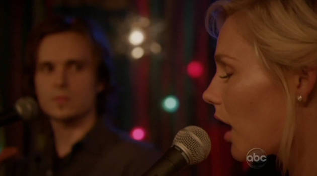 "Nashville Season 1 Finale: Avery and Scarlett Sing ""The Moon Is High"""
