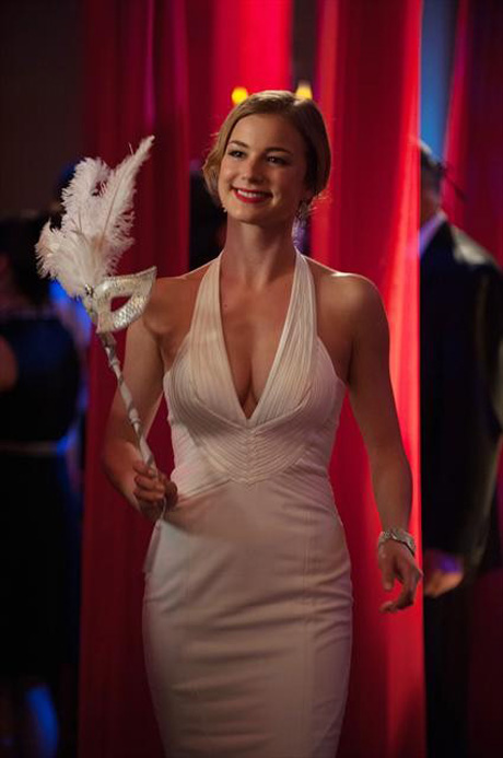 Revenge's Emily VanCamp Turns 27! Here Are 5 Reasons We Love Emily Thorne