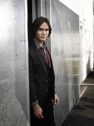 Pretty Little Liars' Tyler Blackburn Reveals New Diet Plan (PHOTO)