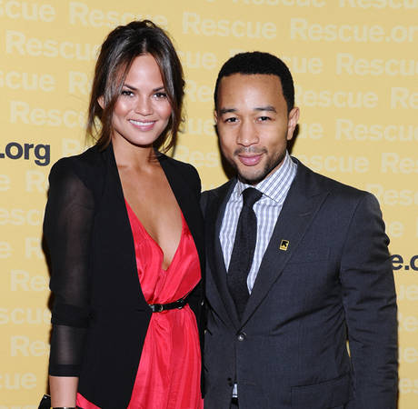Chrissy Teigen Slams Jennifer Lopez's Entourage, Still Loves Jennifer