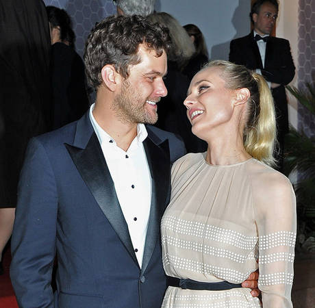 Joshua Jackson Looking at Engagement Rings for Diane Kruger: Report