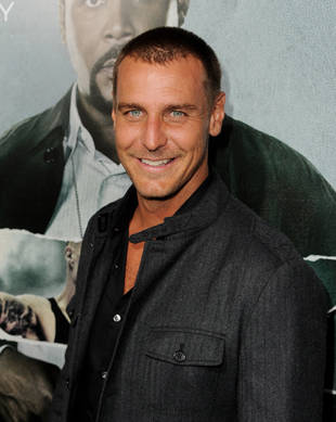 Ingo Rademacher and Adorable Son Get Grocery Store Silly (PHOTO)