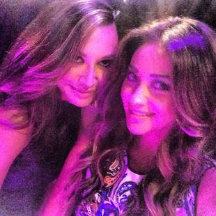 Pretty Little Liars' Shay Mitchell Cuddles Up to Naya Rivera (PHOTO)