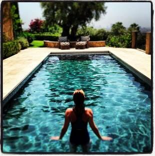 Grey's Anatomy's Ellen Pompeo Strips Down For Sexy Bikini Pic! (PHOTO)