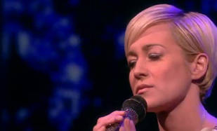 "Kellie Pickler Performs ""Someone Somewhere Tonight"" on The View! (VIDEO)"