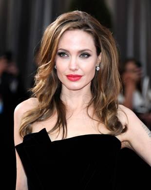 "Angelina Jolie's Mastectomy: Melissa Etheridge Calls it a ""Fearful Choice"""